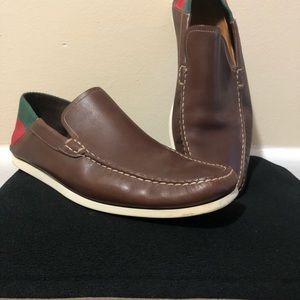 Gucci brown leather loafers size 9